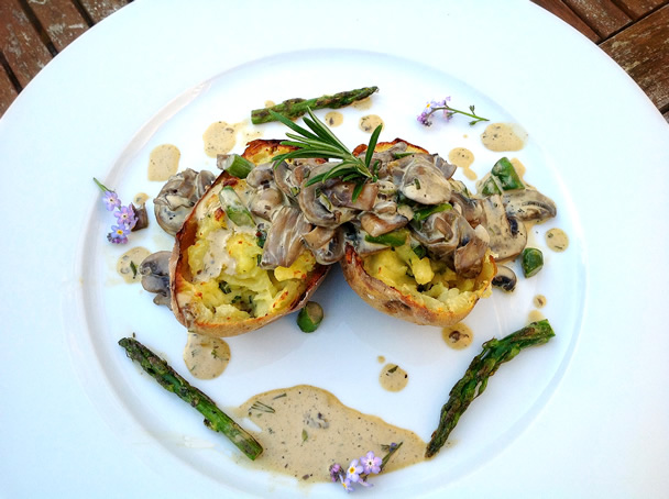 Twice cooked jacket potatoes with asparagus and mushroom for Jacket potato fillings mushroom